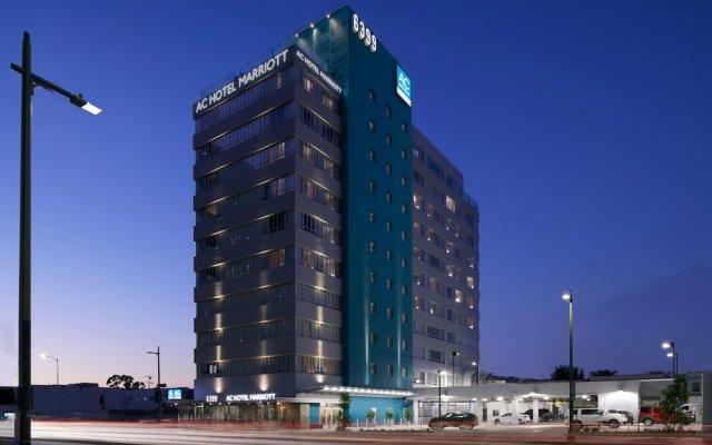 Отель AC Hotel by Marriott Beverly Hills США, Лос-Анджелес - отзывы, цены и фото номеров - забронировать отель AC Hotel by Marriott Beverly Hills онлайн вид на фасад
