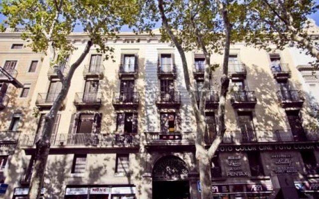 Отель Las Ramblas Home Испания, Барселона - отзывы, цены и фото номеров - забронировать отель Las Ramblas Home онлайн вид на фасад