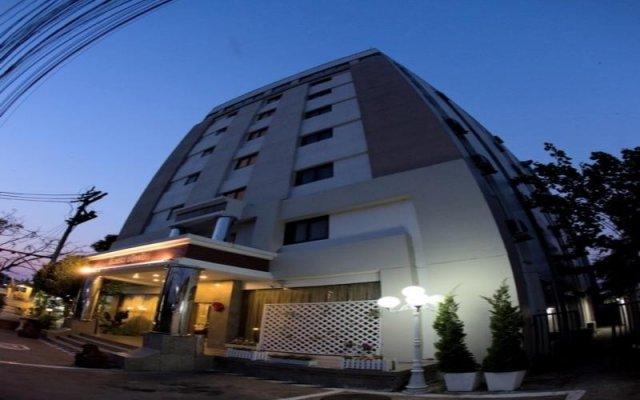 Chaipat Hotel вид на фасад
