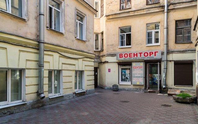 Апартаменты Home4day Apartment on Griboyedov Canal вид на фасад