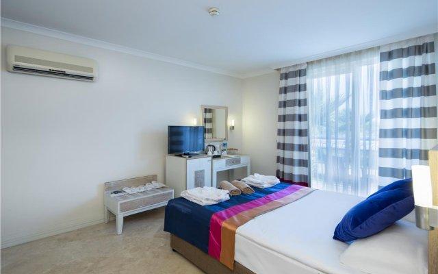 Отель Crystal Boutique Beach +16 Богазкент комната для гостей