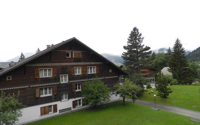 Отель Suzanne Nr. 27 Швейцария, Шёнрид - отзывы, цены и фото номеров - забронировать отель Suzanne Nr. 27 онлайн вид на фасад