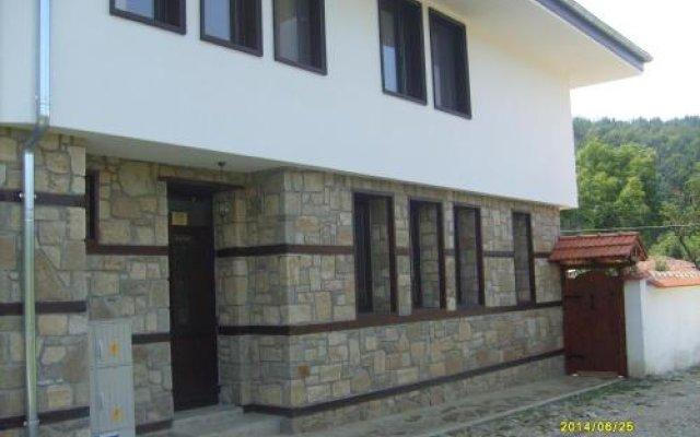 Отель Aleksandrina Болгария, Сливен - отзывы, цены и фото номеров - забронировать отель Aleksandrina онлайн вид на фасад