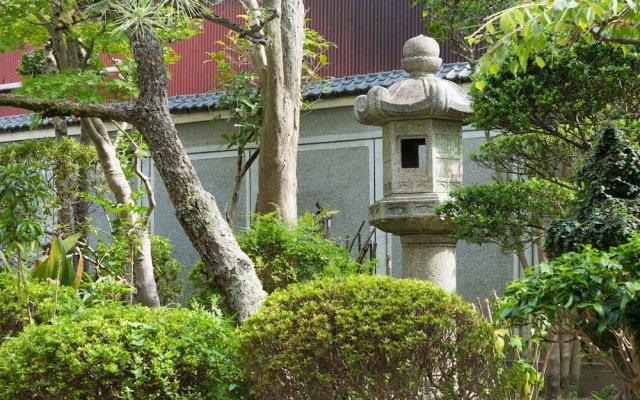 Guesthouse Hakozaki Garden Hostel