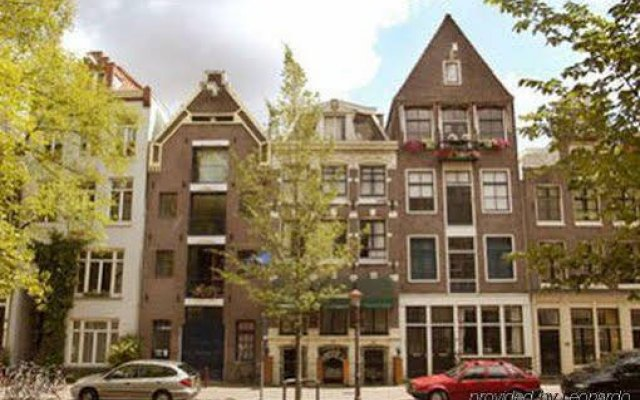 Отель Rembrandtplein B&B вид на фасад