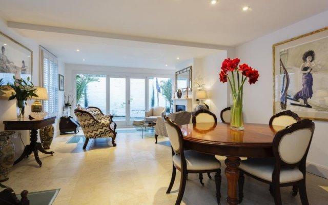 Отель Veeve Luxurious 4 Bed 4 Bath Home In The Heart Of Hampstead комната для гостей