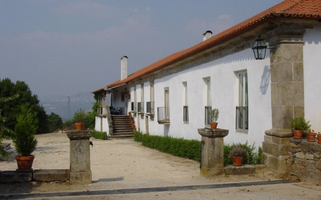 Отель Casa De Vilarinho De S.romão Саброза вид на фасад