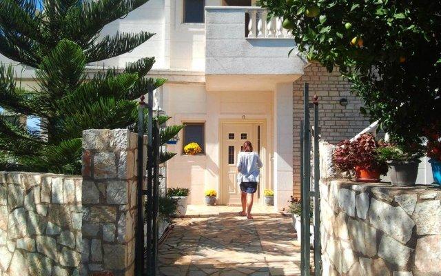 Отель Studios Villa Vasili Албания, Ксамил - отзывы, цены и фото номеров - забронировать отель Studios Villa Vasili онлайн вид на фасад