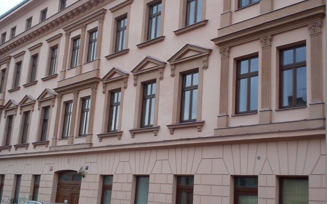 Апартаменты Apartments u Staropramenu вид на фасад