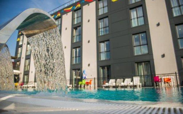 Отель Hollywoodland Wellness & Aquapark