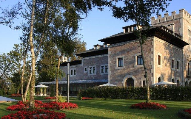 Отель Castillo Del Bosque La Zoreda