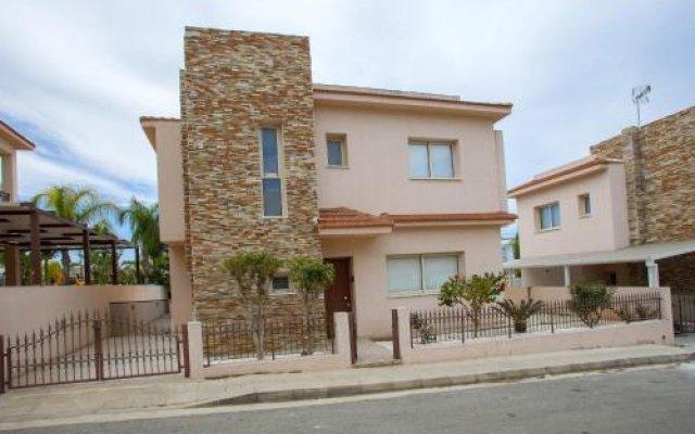 Отель Villa Michelle 2 Кипр, Протарас - отзывы, цены и фото номеров - забронировать отель Villa Michelle 2 онлайн вид на фасад