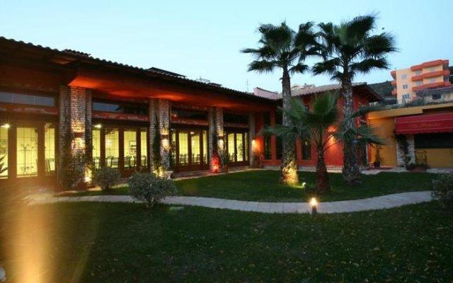 Отель Vila Belvedere Голем вид на фасад