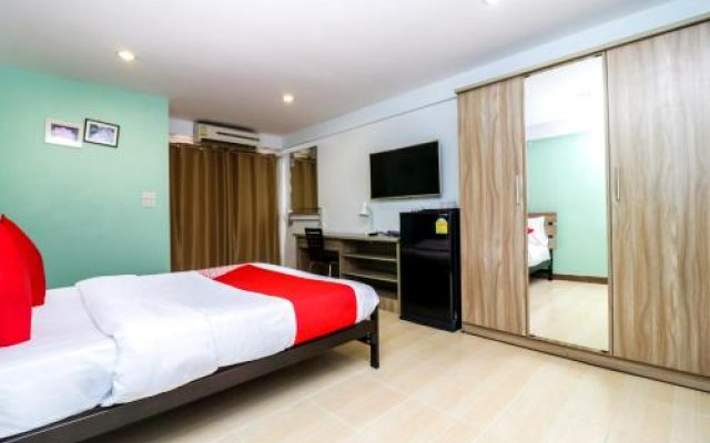 Отель OYO 129 Gems Park Бангкок комната для гостей