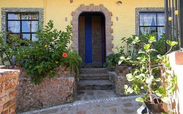 Отель Old Mazatlan Inn вид на фасад