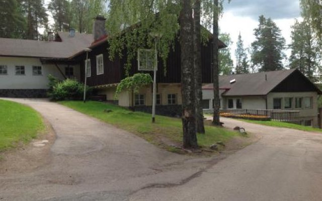 Отель Hotell Solvalla Финляндия, Эспоо - отзывы, цены и фото номеров - забронировать отель Hotell Solvalla онлайн вид на фасад