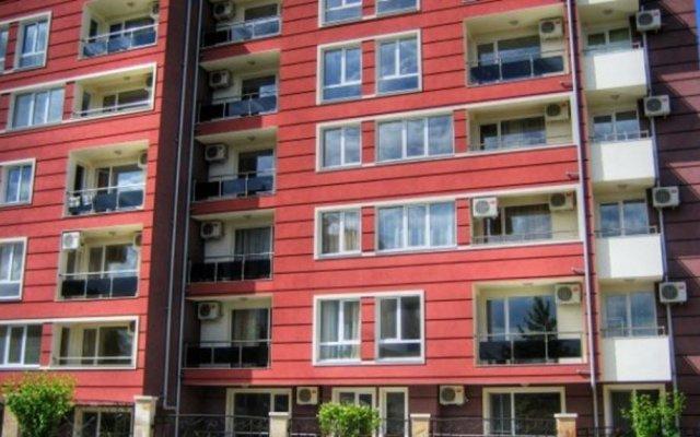 Апартаменты Ravda Apartments Равда вид на фасад