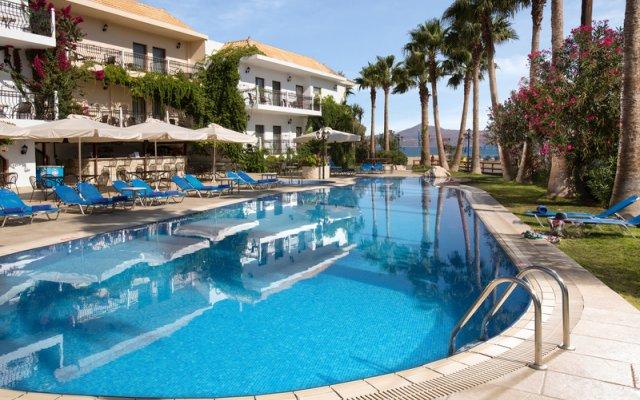 Almyrida Beach Hotel бассейн