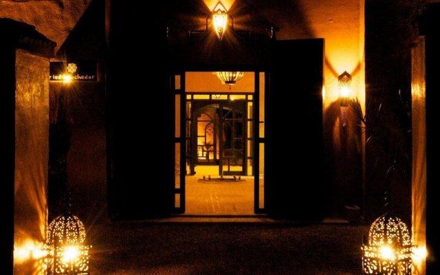 Отель Riad Bouchedor Марокко, Уарзазат - отзывы, цены и фото номеров - забронировать отель Riad Bouchedor онлайн вид на фасад