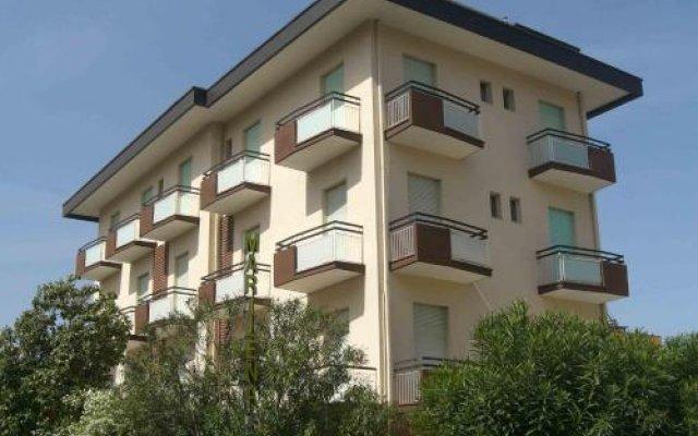 Отель Marilena Италия, Римини - отзывы, цены и фото номеров - забронировать отель Marilena онлайн вид на фасад
