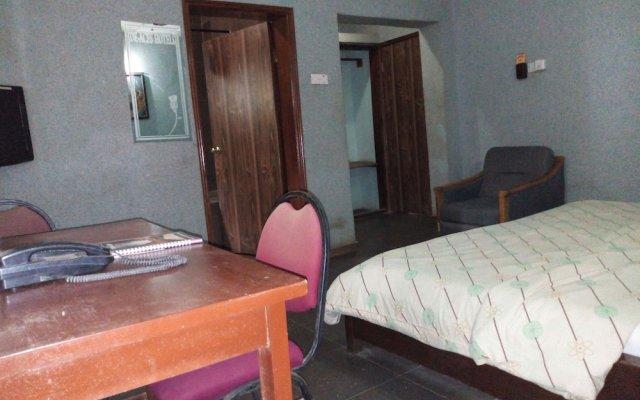 Отель De-Aces Hotels & Conference Centre комната для гостей