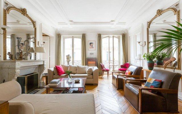 Отель onefinestay Montmartre South Pigalle private homes Париж интерьер отеля
