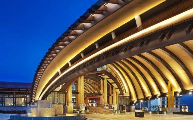 Отель The St. Regis Sanya Yalong Bay Resort – Villas вид на фасад