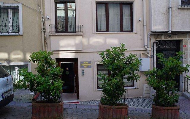Отель Pera Sultan Suit вид на фасад