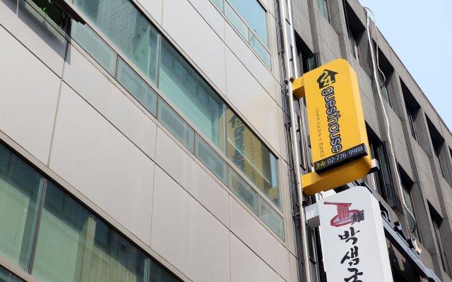 Отель 24 Guesthouse Myeongdong Center вид на фасад