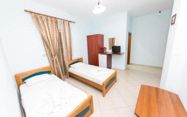 Divo Palace Hotel 0