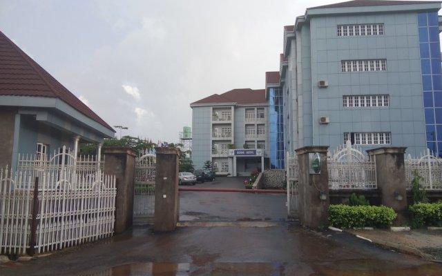 Ozom Hotel вид на фасад