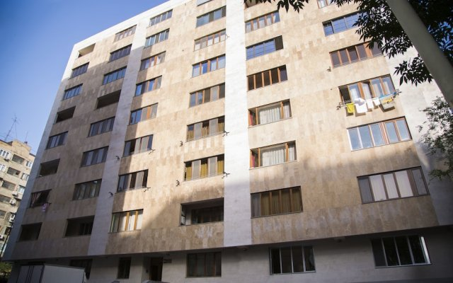 Апартаменты Парк Апартаменты - на улице Арама Ереван вид на фасад