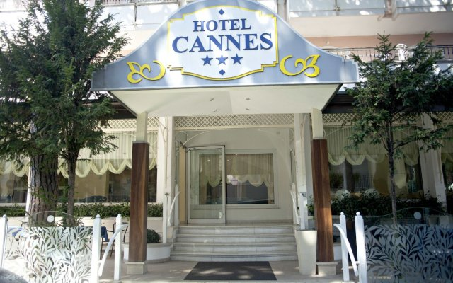 Отель Cannes Италия, Риччоне - отзывы, цены и фото номеров - забронировать отель Cannes онлайн вид на фасад