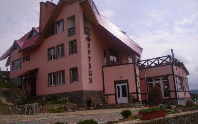 Гостиница Fortetsya Украина, Волосянка - отзывы, цены и фото номеров - забронировать гостиницу Fortetsya онлайн вид на фасад