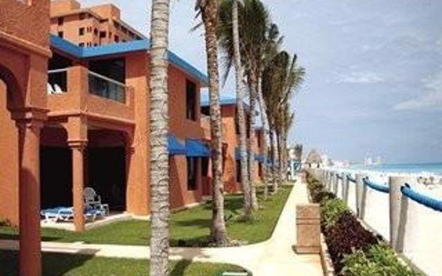 The Sunshine Club At Tucancun Beach