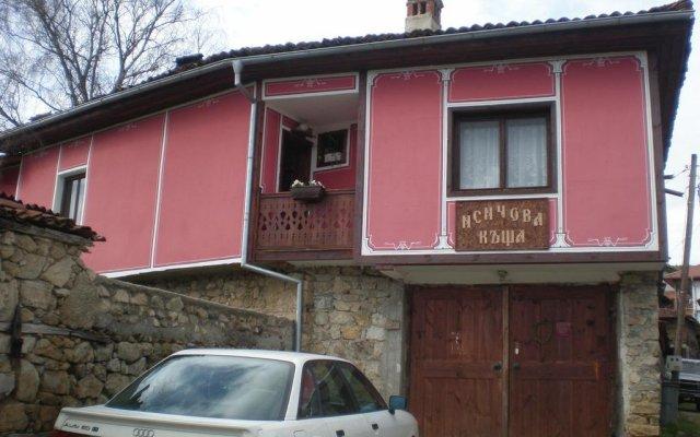 Отель Nenchova Guest House вид на фасад