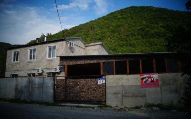 Гостиница Country house near a river вид на фасад