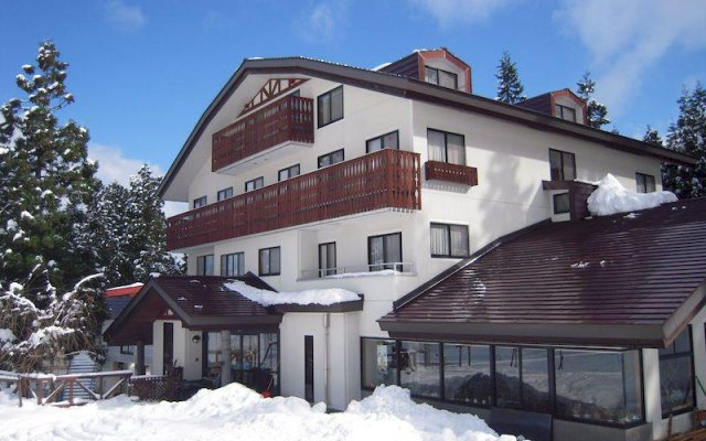 Hotel Schon Wald Хакуба вид на фасад