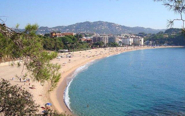 Отель Marina - INH 30013 Испания, Льорет-де-Мар - отзывы, цены и фото номеров - забронировать отель Marina - INH 30013 онлайн пляж