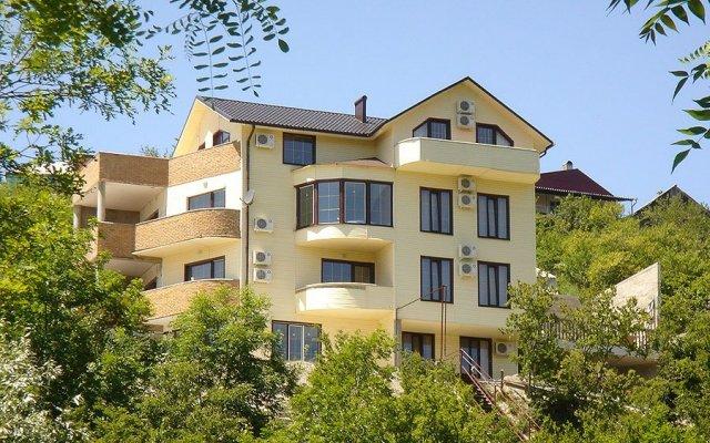 Гостиница Николь вид на фасад
