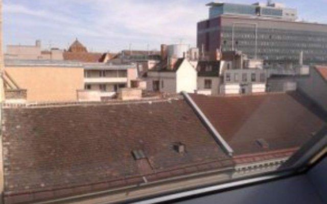 Отель Pension Vienna Happymit вид на фасад