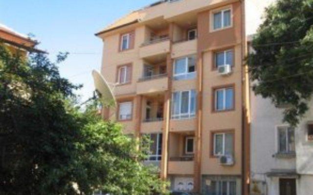 Отель Guest House Geri Поморие вид на фасад