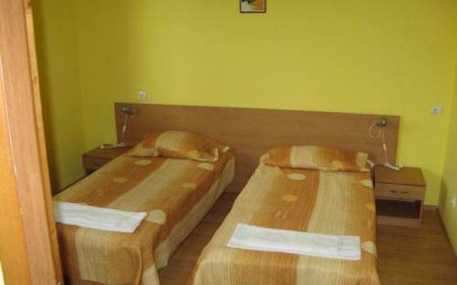 Апартаменты Fears Baket Apartment in Shumen Complex комната для гостей