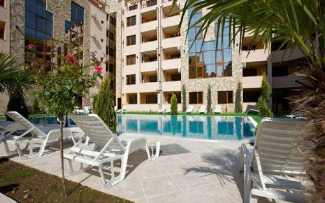 Отель GT Emerald Paradise Apartments Болгария, Солнечный берег - отзывы, цены и фото номеров - забронировать отель GT Emerald Paradise Apartments онлайн бассейн
