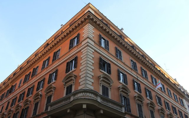 Hotel Garda вид на фасад