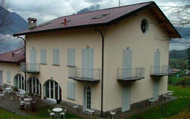 Отель Residence Antico Crotto Порлецца вид на фасад