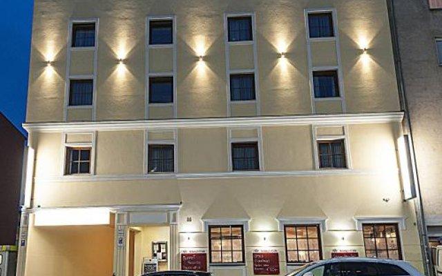 Отель Pension Konigs Cafe Австрия, Вена - отзывы, цены и фото номеров - забронировать отель Pension Konigs Cafe онлайн вид на фасад