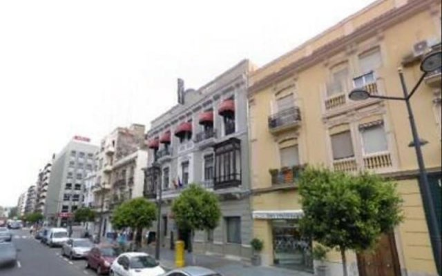 Отель Casual Civilizaciones Valencia Испания, Валенсия - 1 отзыв об отеле, цены и фото номеров - забронировать отель Casual Civilizaciones Valencia онлайн вид на фасад