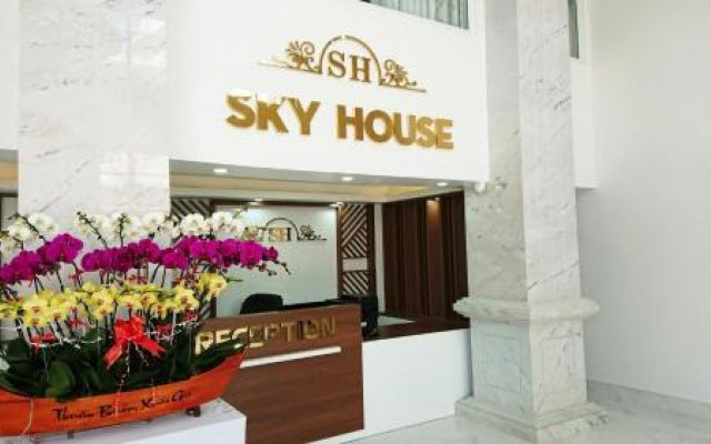 Skyhouse Hotel Далат вид на фасад