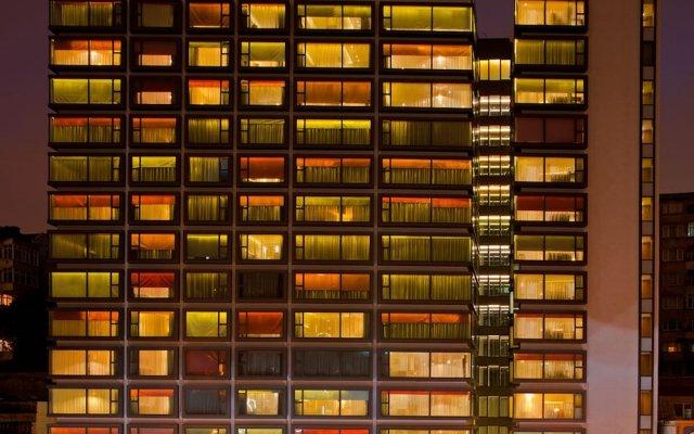 Отель Crowne Plaza Istanbul - Harbiye вид на фасад